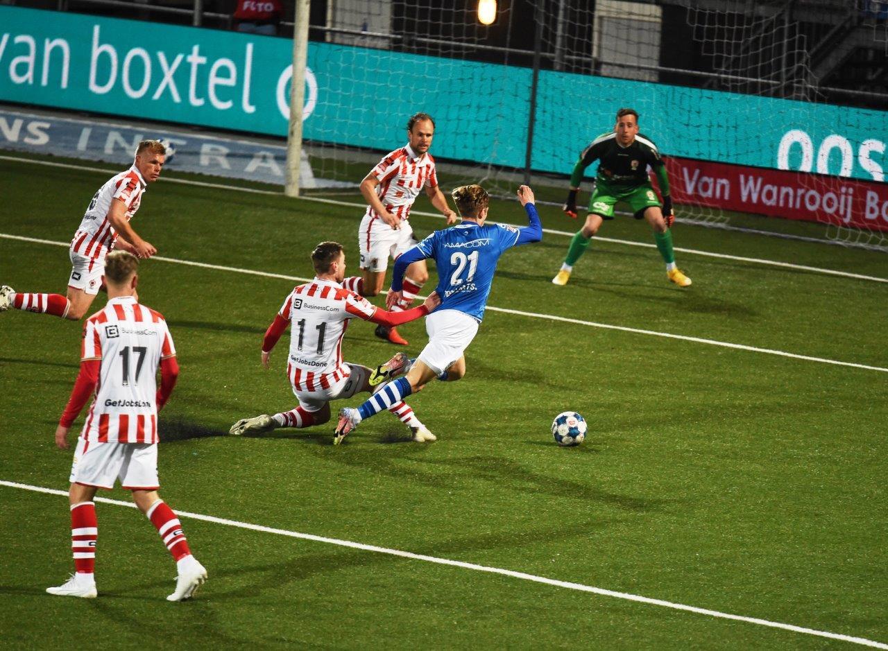 Late strafschop beslist Brabantse derby in Bosch voordeel